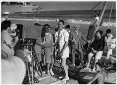 """Luis García Berlanga en un momento del rodaje de """"Novio a la vista"""" (1954) Director: Luis García Berlanga."""