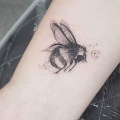 Animal Tattoos, Tattoo Designs, Tattoo Ideas, Cool Tattoos, Tatting, Piercings, Bee, Instagram Posts, Manchester