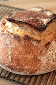 Sourdough Bread tutorial from the Tartine Bread cookbook Bakery Recipes, Bread Recipes, Cooking Recipes, Best Comfort Food, Sourdough Bread, Bread Rolls, Fabulous Foods, Bread Baking, Dutch Oven