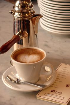 Great ways to make authentic Italian coffee and understand the Italian culture of espresso cappuccino and more! I Love Coffee, Coffee Break, My Coffee, Morning Coffee, Coffee Aroma, French Coffee, Turkish Coffee, Drip Coffee, Coffee Mugs