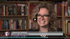 TV-interview med Lene Dybdahl om Skyriel og om at bruge sin fantasi. Der er også en lille teaser til Blodbæst (bind 2 i Ovanienprofetierne).
