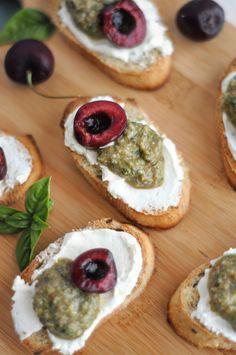 crostini with fresh basil pesto, cream cheese and stone fruit #recipe #entertaining #appetizer