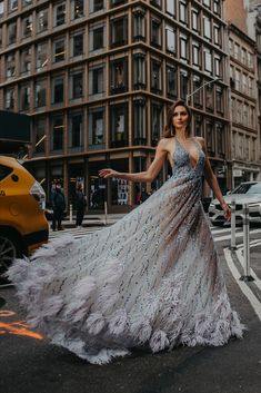 #BERTA evening couture <3 Berta Bridal, Bridal Gowns, Dress Vestidos, Gorgeous Dress, Work Outs, My Beauty, Showroom, Ball Gowns, Nyc