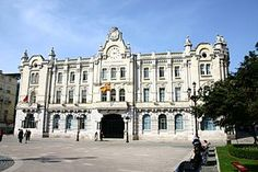 Plaza del ayuntamiento de Santander, Espana. Me encanta ese lugar.