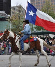 Mrs Baird's enjoys participating in an event full of Texas spirit.  Houston:  Rodeo parade by KTRK/Blanca Beltran