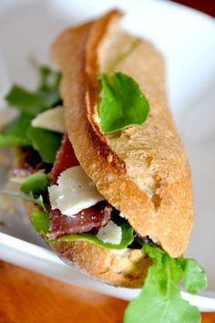 check out sandwich italien aux tomates confites, jambon de parme