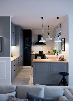 Jurnal de design interior: Amenajare relaxată și modernă într-un apartament din Polonia Apartment Kitchen, Home Decor Kitchen, Kitchen Interior, Home Kitchens, Home Interior, Sweet Home, Cuisines Design, Kitchen Layout, Home Fashion