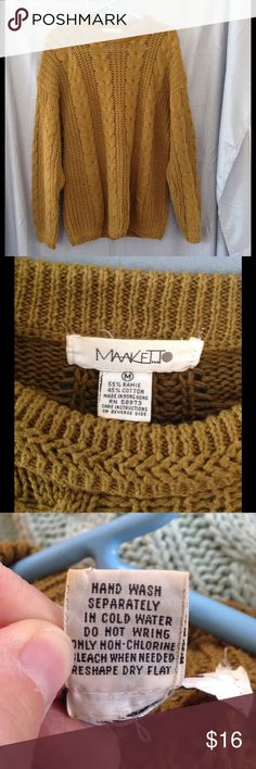 Vintage 80s/90s olive cable knit sweater Beautiful sweater in good condition, but with a small pull in the front. Has pretty cable knit design. Hand wash. Color may look different on your screen. May have musty smell due to storage. Vintage Sweaters Crew & Scoop Necks