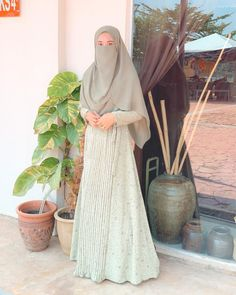 Niqab Fashion, Modest Fashion Hijab, Modern Hijab Fashion, Muslim Women Fashion, Hijab Fashion Inspiration, Ulzzang Fashion, Fashion Outfits, Muslimah Clothing, Beautiful Hijab Girl