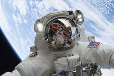 Noël depuis l'espace: l'astronaute Mike Hopkins est sorti dans l'espace le 24 décembre pour effectuer les réparations sur la Station internationale.