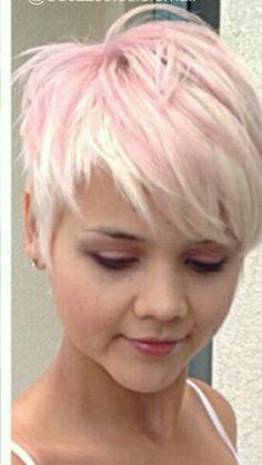 Great cut Source by Funky Short Hair, Short Blonde, Short Hair Cuts, Pixie Cuts, Haircuts For Fine Hair, Funky Hairstyles, Haircut And Color, Pink Hair, Pastel Pixie Hair