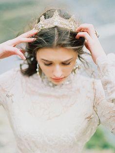 Regal bridal shoot in the Georgian Mountains