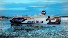Eckerö Line kulkee Helsingin ja Tallinnan välillä.