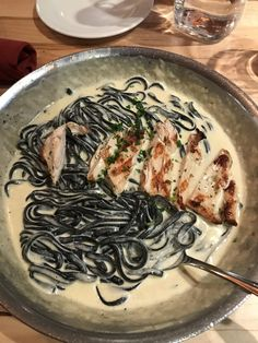 [I ATE] Alfredo Squid Ink Pasta with Grilled Chicken via /r/food Beautiful cookbooks Grilled Chicken Pasta, Chicken Pasta Recipes, Squid Ink Pasta, Italian Street Food, Spagetti Recipe, Alfredo Recipe, Cooking Recipes, Healthy Recipes, Homemade Pasta