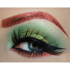 Poison Ivy eye make up, defiantly will use this if I dress up as her !!!
