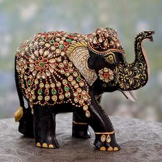 Shop for Handcrafted Kadam Wood 'Majestic Elephant II' Statuette (India). Get free delivery On EVERYTHING* Overstock - Your Online Home Decor Outlet Store! Elephant India, Elephant Walk, Elephant Parade, Elephant Love, Elephant Sculpture, Wood Sculpture, Sculptures, Bee Creative, Elephant Figurines