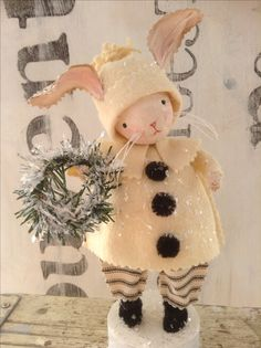 Vintage bunny decor All Things Christmas, Christmas Holidays, Christmas Decorations, Christmas Projects, Holiday Crafts, Christmas Snowman, Christmas Ornaments, Somebunny Loves You, Diy Ostern