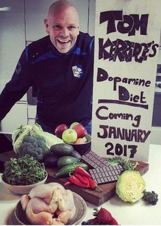 Tom ate low carb high protein diet to lose weight. He consumed 90 grams of carbs daily & stopped alcohol. Chef Tom Kerridge, High Protein Low Carb, Protein Diets, Stone Weight, Healthy Weight Loss, Toms, Eat, High Protein Diets
