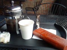 Cigar and coffee / http://www.cigarsonlinetoday.com/cigar-and-coffee/