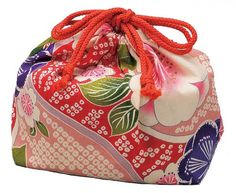 Yuzen Bento Box Bag #53818 : Amazon.com : Kitchen & Dining  ... I have this one! It's very pretty, and traditional looking.