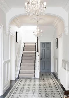 Entrance hall ideas with stairs a timeless quality to this hallway entrance hall and stairs ideas Edwardian Hallway, Victorian Hallway Tiles, Hall Tiles, Tiled Hallway, Tiled Staircase, White Hallway, Long Hallway, White Walls, Home Decor