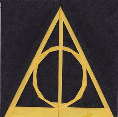 "#HogwartsSwap2015 I just made this and it turned out so great! I can't believe I just paper pieced 30+ tiny pieces -- it finishes at about 4.5"" The deathly hallows paper pieced!"