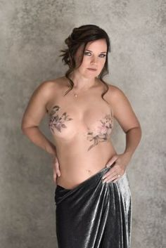 Cover Tattoo by David Allen Portrait by Yvette Michelle Griffith Scars Tattoo Cover Up, Scar Cover Up, Scar Tattoo, Tattoo Art, Breast Cancer Tattoos, Breast Cancer Survivor, Cancer Survivor Tattoo, Brust Tattoo, Photos Of Women