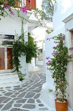 ギリシャ ミコノス島の素敵な小道