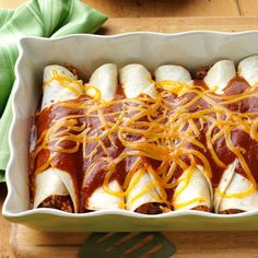 Beef 'n' Rice Enchiladas Recipe . Loaded with beef, cheese and a flavorful rice mix, these enchiladas come together with out any fuss. But they're so good that guests think I spent hours in the kitchen. Mexican Dishes, Mexican Food Recipes, Beef Recipes, Dinner Recipes, Cooking Recipes, Mexican Cooking, Dinner Ideas, Mexican Easy, Pepper Recipes