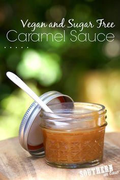 Homemade Vegan Caramel Sauce Recipe - gluten free, low fat, sugar free (has maple syrup), healthy Sugar Free Desserts, Sugar Free Recipes, Gluten Free Desserts, Vegan Desserts, Dessert Recipes, Vegan Sugar, Healthy Sugar, Paleo Vegan, Vegan Sweets