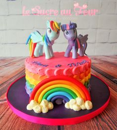 My little pony cake. Buttercream petal cake and hand made little pony figurine-Le sucre au four