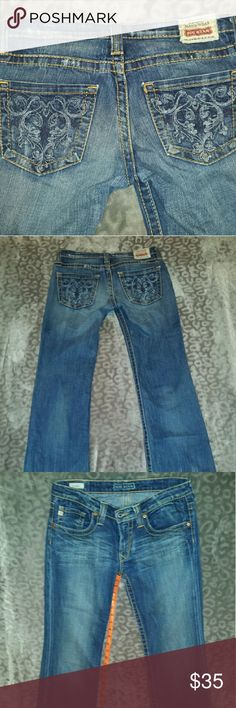 "Big star jeans These jeans are in excellent condition. They are 28xl. The inseam is 35"" Big Star Jeans Boot Cut"