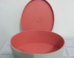 Caixa oval com puxador de cristal