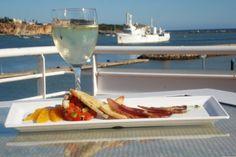 Gosta de petiscar? Os sabores regionais do Algarve esperam por si à beira-mar de 4 de setembro a 11 de outubro em Portimão. Escolha entre 146 locais de petiscos e 24 dedicados aos doces regionais...