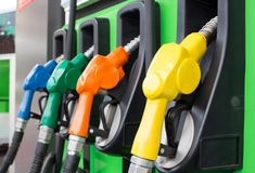 Today May, Friday), the price of petrol and diesel has remained stable in all the four major metros of the country. Indian oil marketing companies have not made any change in the price of petrol and diesel even today. Michigan, Crude Oil, Gas Pumps, Latest Gadgets, Oil And Gas, Diesel Engine, Gas Station