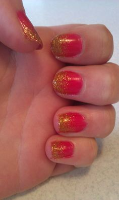 Nails with the inspiration of Effie Trinket =)