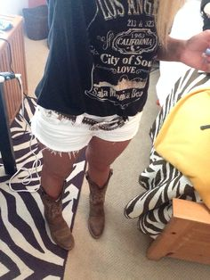 Rodeo outfit, cowgirl hell yea the best Cowboy Boot Outfits, Rodeo Outfits, Cowgirl Boots, Fall Outfits, Summer Outfits, Cute Outfits, Summer Cowgirl Outfits, Concert Outfits, Country Style Dresses