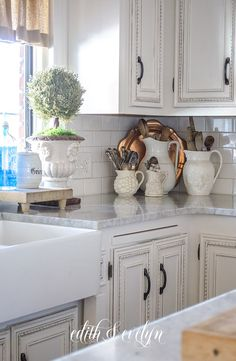 Supreme Kitchen Remodeling Choosing Your New Kitchen Countertops Ideas. Mind Blowing Kitchen Remodeling Choosing Your New Kitchen Countertops Ideas. Interior Design Kitchen, Diy Kitchen Decor, Kitchen Interior, Vintage Kitchen, Kitchen, Kitchen Remodel Small, Kitchen Remodel, Tuscan Kitchen, Country Kitchen