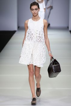 Giorgio Armani Spring 2015 Ready-to-Wear - Collection - Gallery - Style.com