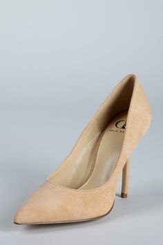 In need of a nude heel for fall, just wish there was a slight platform in the front