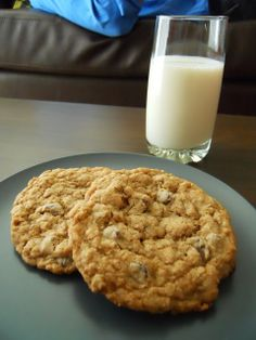 Delicious Disposition!: Great Harvest Chocolate Chip Cookies!!!!
