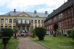 Steinhude am Steinhuder Meer: 100 Jahre Rhododendronallee im Schloss Hagenburg