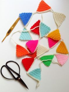 Free pattern crochet bunting--for little girl's tree--garland