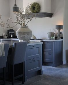 🌟Tante S!fr@ loves this📌🌟Goedemorgen, woonkeuken in een afgerond projec - Neuedekorations İdee - Modern Country Kitchens, Modern Country Style, Rustic Kitchen, New Kitchen, Home Kitchens, Kitchen Decor, Kitchen Design, Dark Kitchens, Decor Interior Design