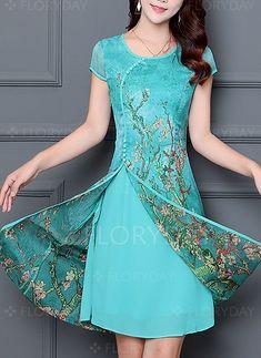 Chiffon floral cap sleeve knee length dresses 1061112 @ floryday com Batik Dress, Lace Dress, Chiffon Dresses, Casual Dresses, Fashion Dresses, Formal Dresses, Knee Length Dresses, Short Sleeve Dresses, Floral Chiffon