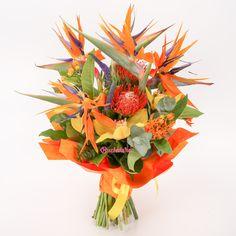 Sărbătorim unul dintre primele week-enduri cu temperaturi exotice de vara, c-un buchet la fel de exotic. În curând pe site aici: http://bit.ly/2sYpgNn  #livrareflori #florarie