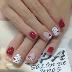 Cute Short Valentine Nails with Dots #Dottednails #NailArt #nailartdesigns #NailArtIdeas #easynailart #valentinenails #rednails