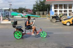 Bicitaxi, a sort of mixture beetwen a bicycle and a taxi, it´s a common transport media in Cuba, but ask price and negotiate before you take it! Cuba Tours, Cuban People, Papi Chulo, Taxi, Bicycles, Baby Strollers, Baby Prams, Prams, Strollers