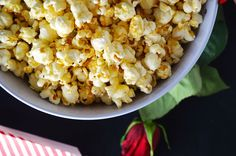 Sweet and Salty Popcorn Perfect snack for The Bachelor! Sweet and Salty Popcorn Perfect snack for The Bachelor! Who do you think is going home? Popcorn Recipes, Gourmet Recipes, Snack Recipes, Snacks, Easy Recipes, Wow Recipe, Good Food, Yummy Food, Best Food Ever