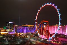 Loving the lights on the High Roller Ferris wheel!